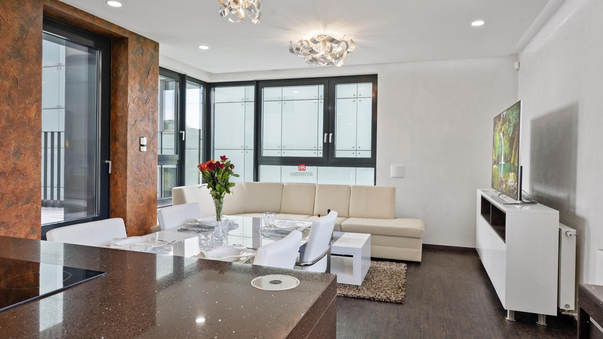 HERRYS - Na predaj exkluzívny a nadštandardný 3izbový byt s umelou inteligenciou, dvoma kúpeľňami, terasou a garážovým státím v obľúbenom projekte RIVER PARK