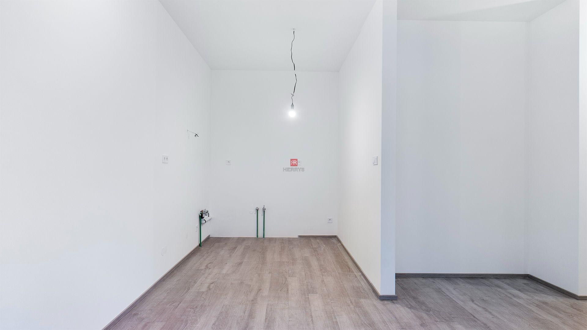 HERRYS- Na prenájom kancelársky priestor na Opálovej ulici v projekte Jantár Jarovce, 2x parking