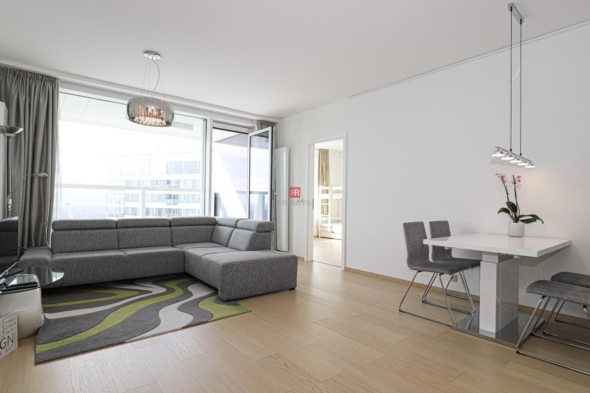 HERRYS - Na prenájom pekného a moderného 3 izbového bytu v projekte Panorama City