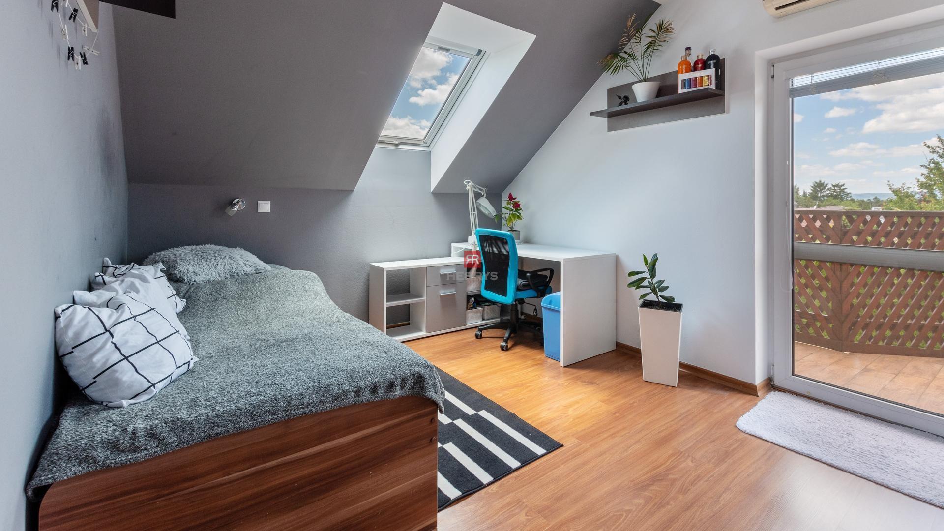 HERRYS - Na predaj veľký 10 izbový rodinný dom s veľkým pozemkom a slaným bazénom