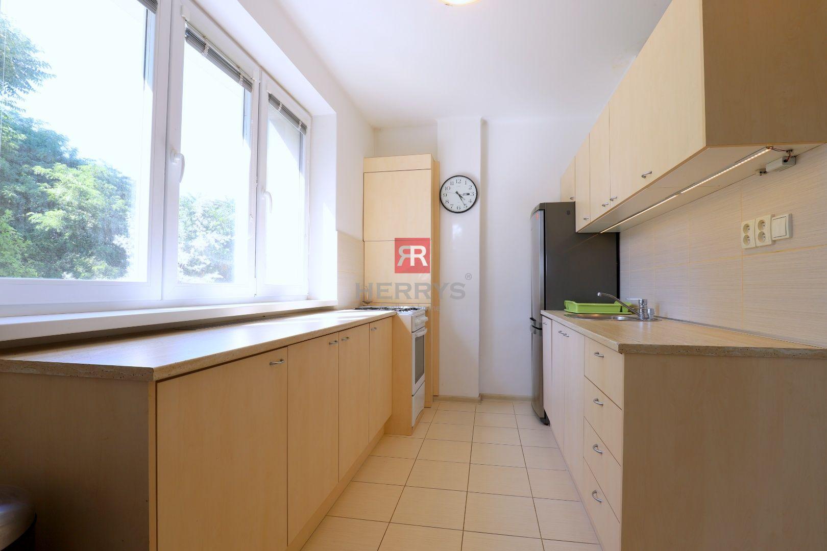 HERRYS - na prenájom 3 izbový byt v tichom prostredí viníc