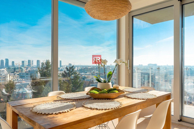 HERRYS - Na prenájom nadštandardný 3 izbový byt s krásnym výhľadom pod Slavínom na Vlčkovej ulici, Staré Mesto