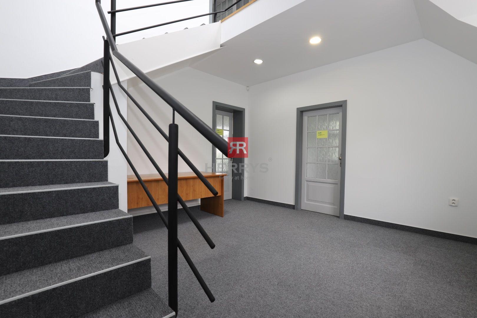 HERRYS - Na prenájom kancelárske priestory na nábreží Dunaja v Au Café