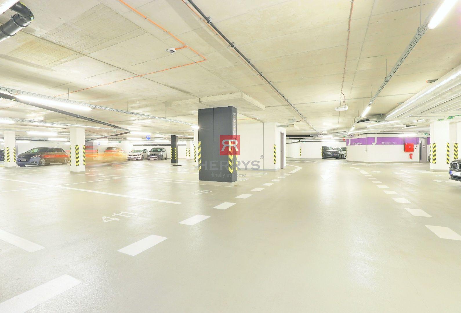 HERRYS - Na prenájom garážové státie v podzemnej garáži v novostavbe BLUMENTAL