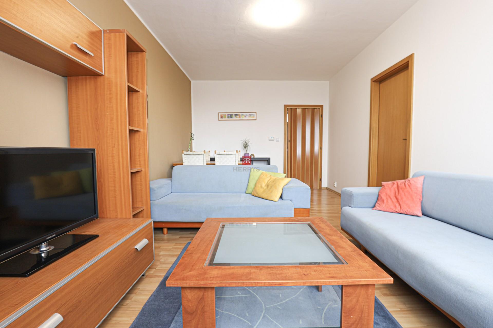HERRYS - Naprenájom 2 izbového bytu s balkónom na Námestí Martina Benku v Starom meste