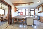 HERRYS - Na prenájom nadštandardný 6i byt s vlastným wellness a vlastným výťahom