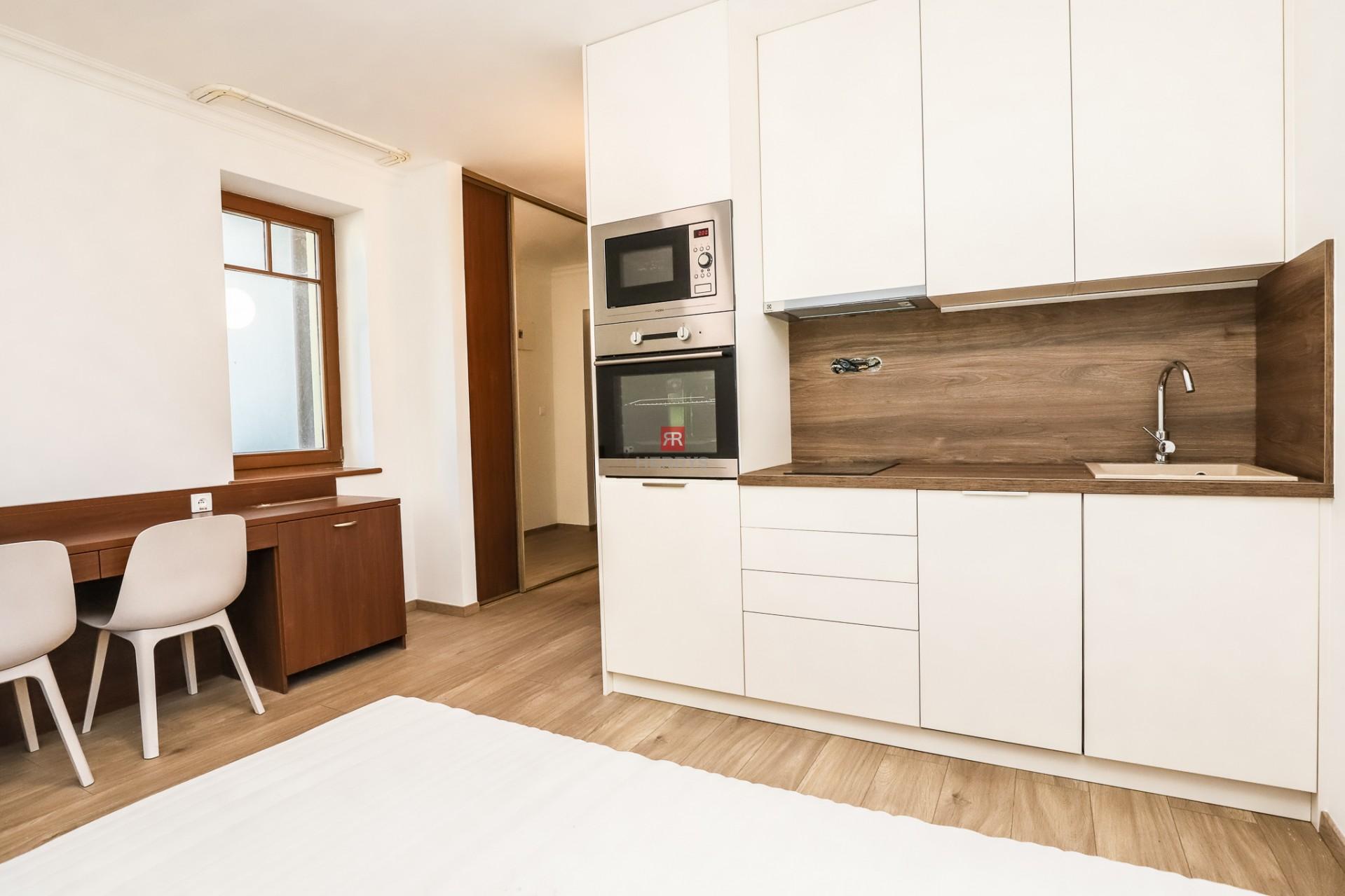 HERRYS - Na prenájom 1 izbový byt na Antolskej ulici v Petržalke priamo pri jazere Draždiak