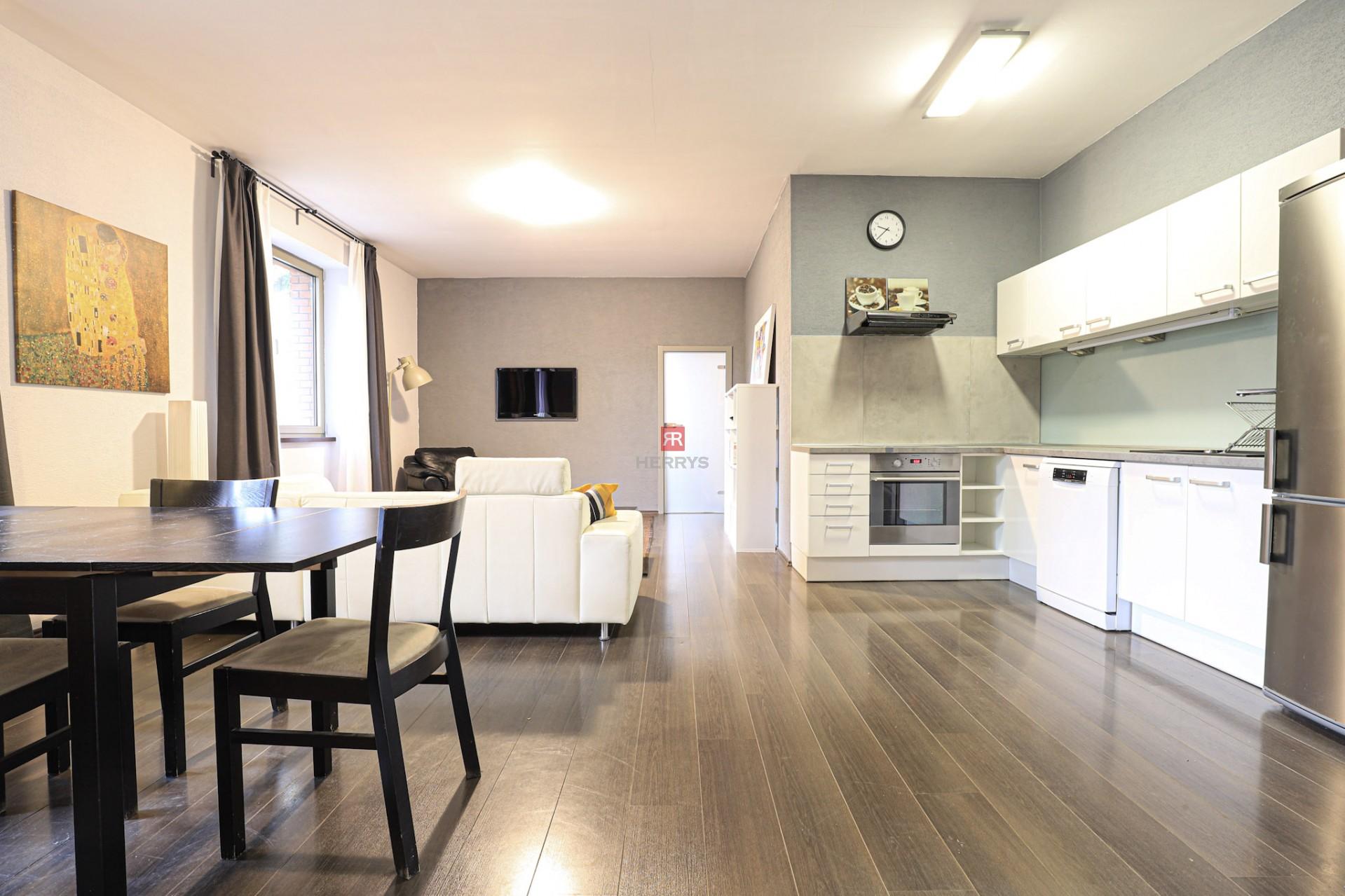 HERRYS - Na prenájom kompletne zariadený 2 izbový byt s terasou v bytovom dome v tichej lokalite v Prievoze