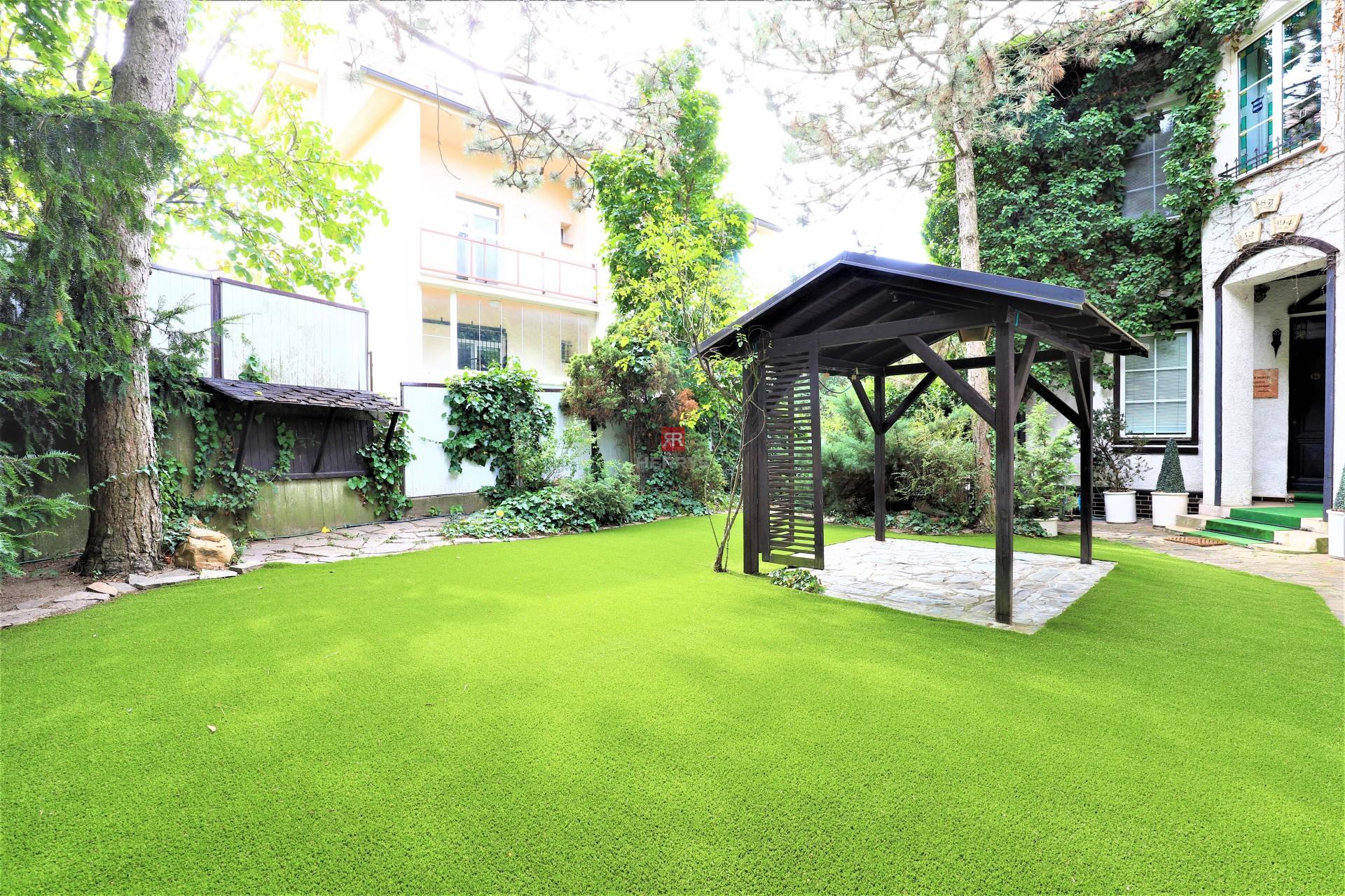HERRYS - Na prenájom autentický rodinný dom v Horskom parku so záhradou