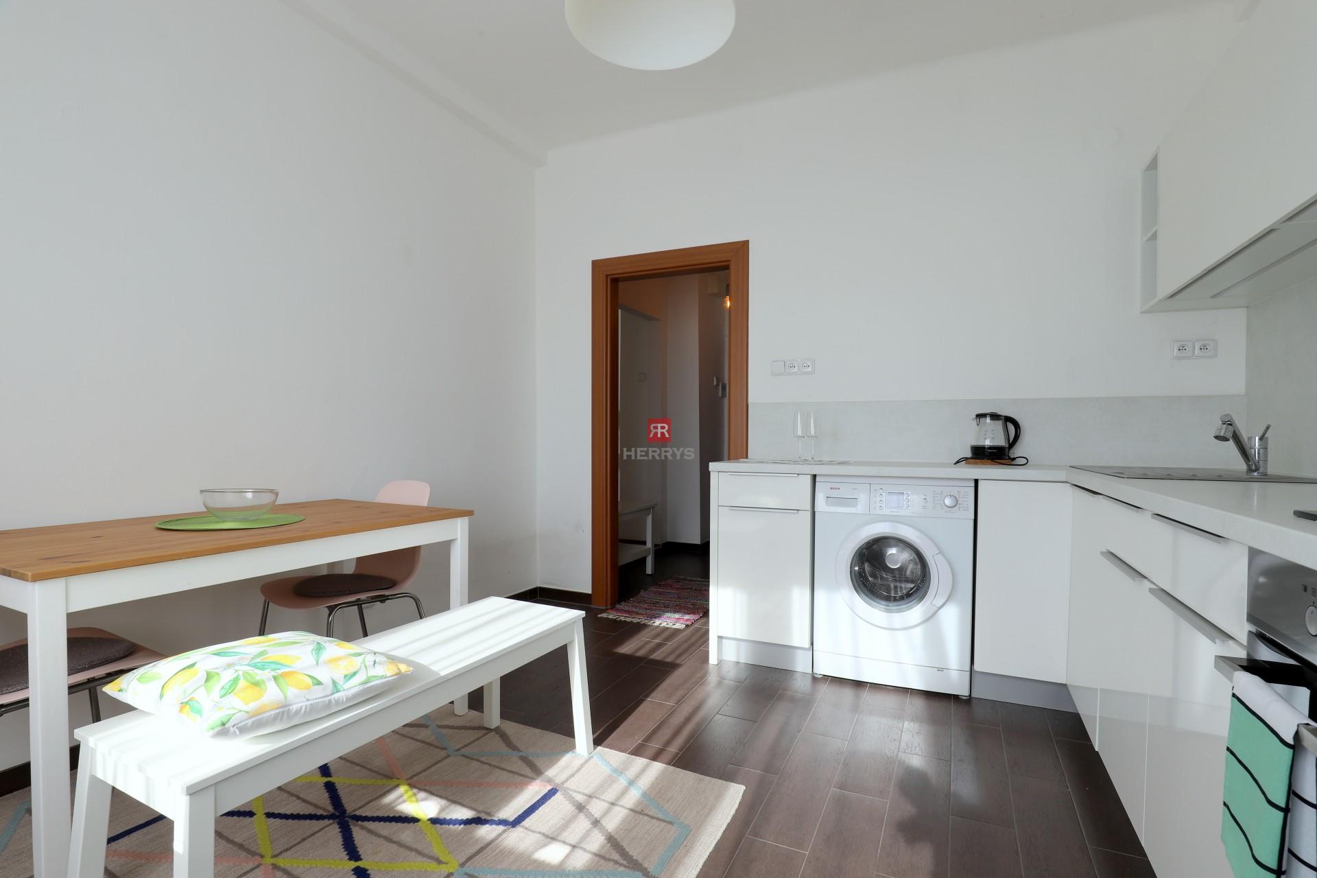 HERRYS - na prenájom 2 izbový byt pri Račianskom mýte
