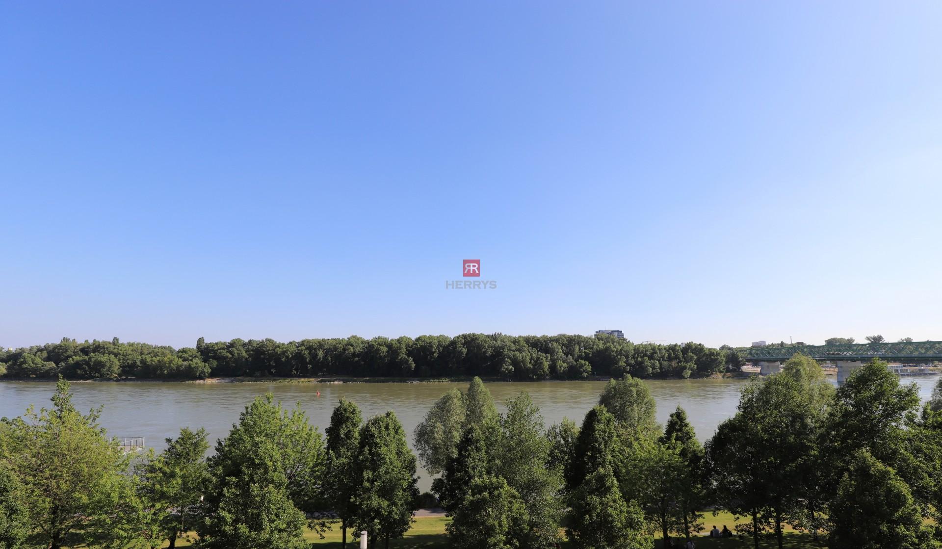 HERRYS - Naprenájom slnečný 2-izbový byt v Eurovea s krásnym výhľadom na Dunaj