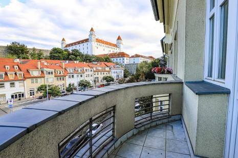 HERRYS - Na predaj 4.izbový byt s2 balkónmi vkompletne renovovanom tehlovom dome na Palisádach