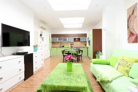HERRYS - Na prenájom priestranný 2-izbový byt s predzáhradkou a parkovacím státím