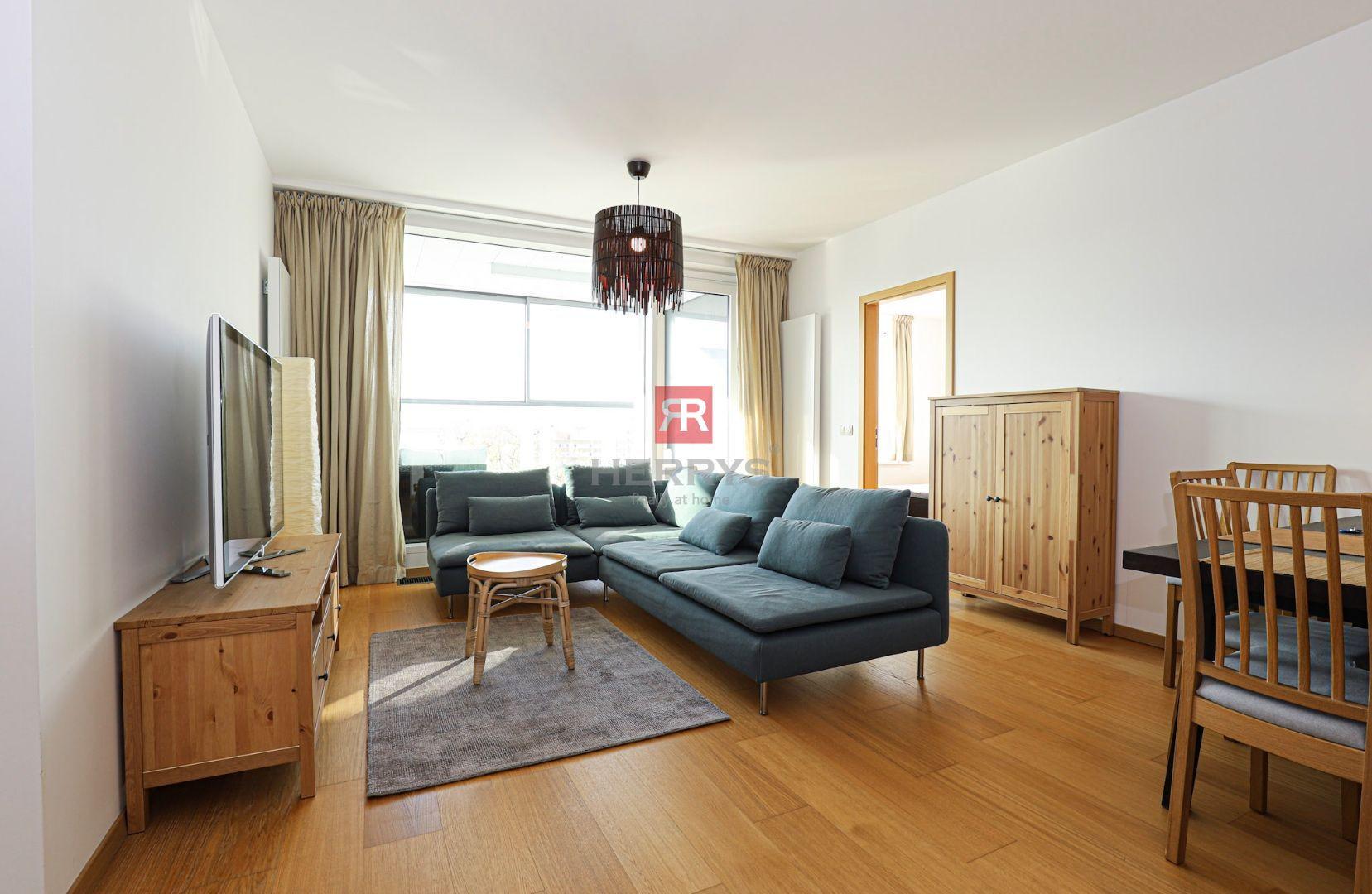 HERRYS - Na prenájom 3 izbový zariadený byt s lodžiou a dvoma garážovými státiami v novostavbe Panorama City