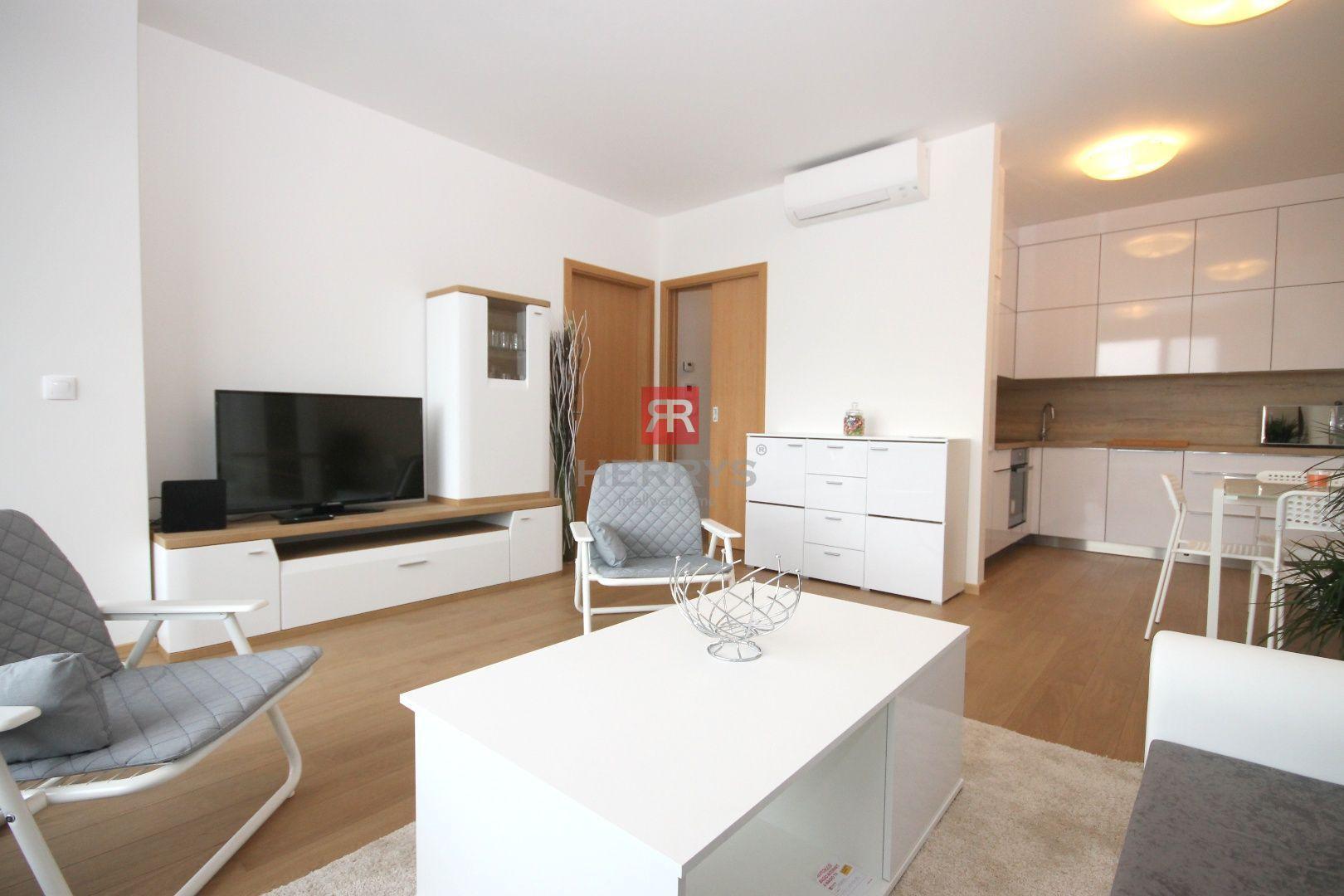 HERRYS - Na prenájom 2 izbový byt s balkónom a výhľadom na Dunaj, novostavba Zuckermandel