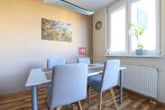 HERRYS - Na prenájom priestranný kompletne zariadený 3 izbový byt s klimatizáciou a vyhradeným parkovaním vo vyhľadávanej lokalite v Ružinove
