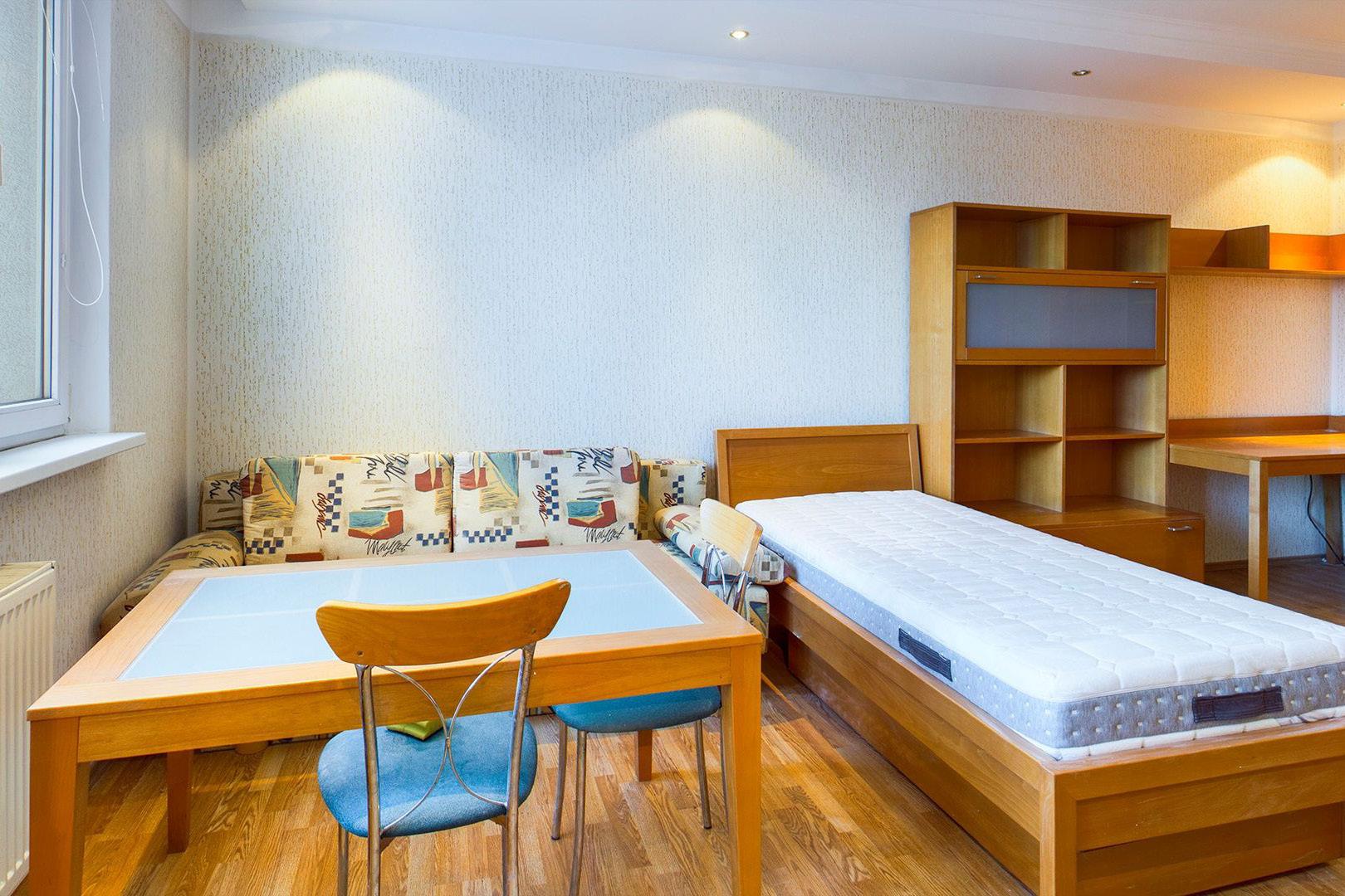 PREDANÉ   1 izbový byt   Drobného, Bratislava