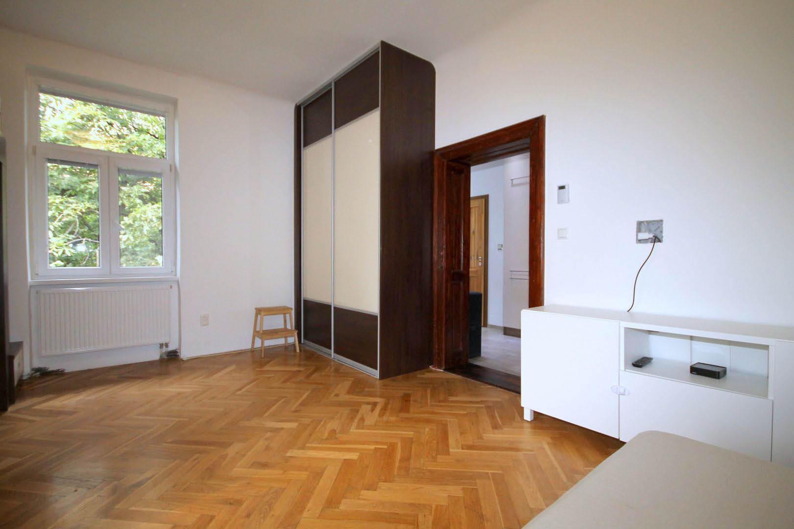 PRENAJATÉ | 1 izbový byt | Palárikova, Bratislava